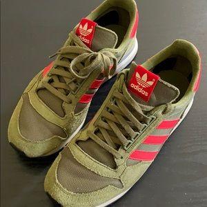 Adidas (Die Marke Mit Den)
